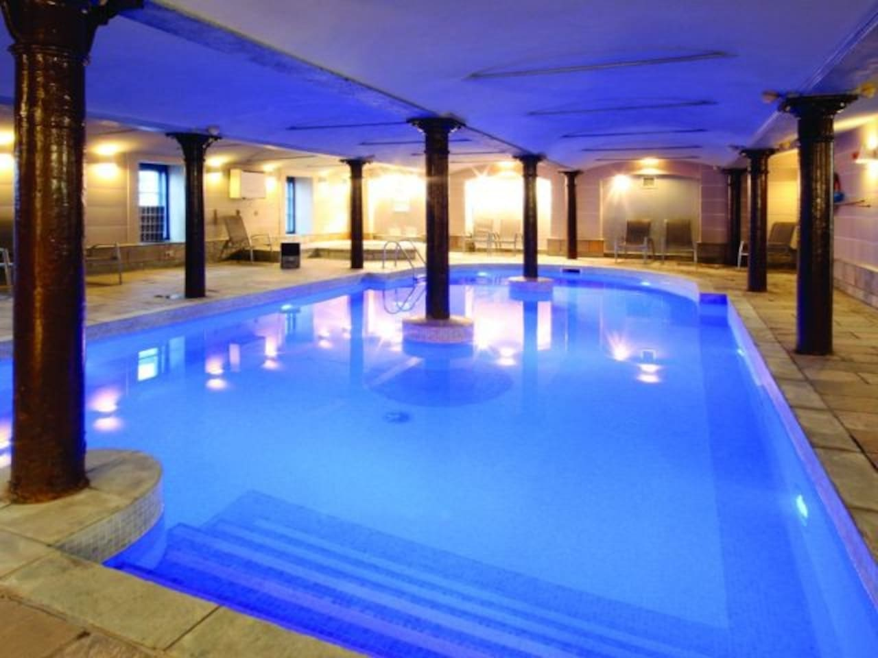 Swimming pool, Sauna, Steamroom and Spa all included