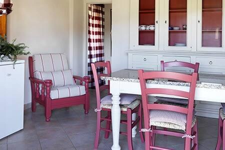 """Appartamento """"Rosa"""" - Monteguidi (SI) - Villa"""