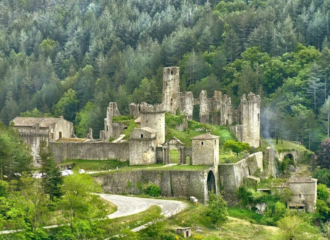 Chateau De Baloigne - Castle