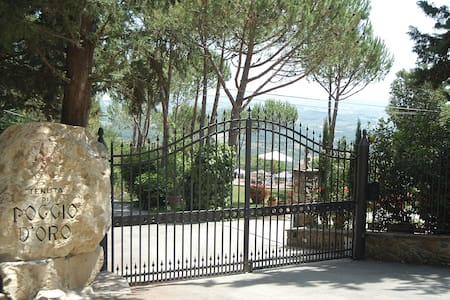 Apartment with splendid views - Tavarnelle Val di Pesa