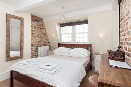 2) Soho Penthouse - Private Room - King Size Bed - Appartamento