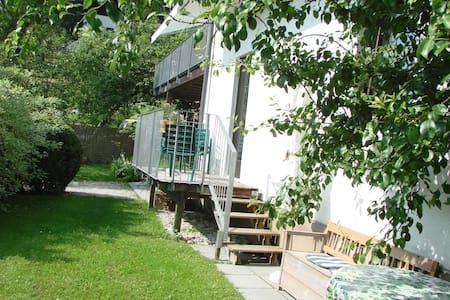 Wohnung mit Balkon und Garten  - Apartment