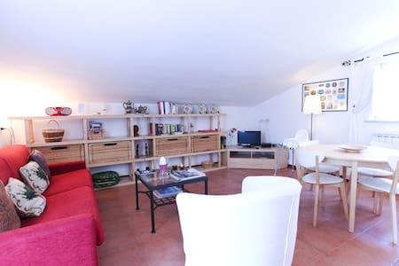 Vigna Licia 4, with pool & WiFi - Rome