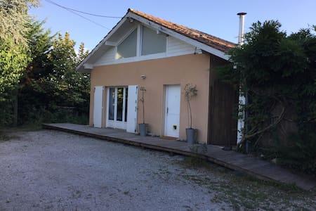 Petite maison ,entre terre et Océan - House