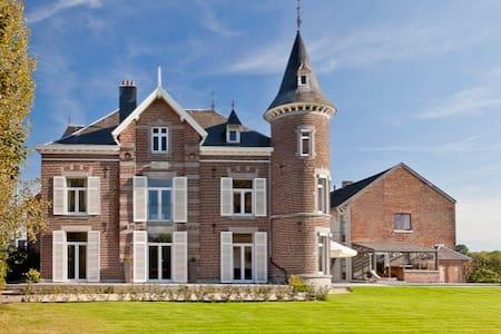 chateau de froidthier - Kastély