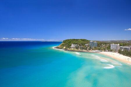 One bed unit 100m to Burleigh Beach
