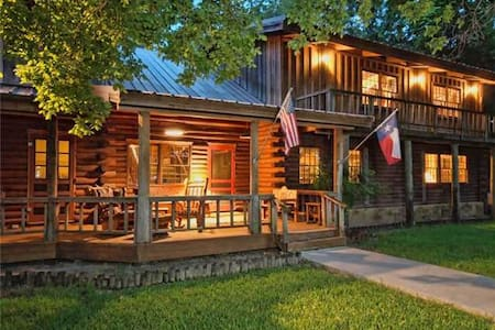 Luxury Log Cabin on Cypress Creek!