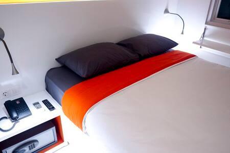 Starlet Hotel Serpong - Serpong - Bed & Breakfast