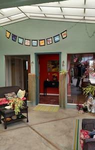 Fun, friendly,easy-breezy & near the State park - Baywood-Los Osos - House