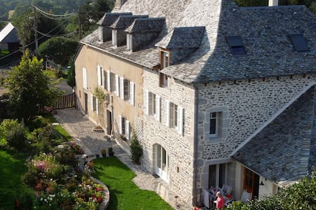 La Caminade, chambre Alisier - Bed & Breakfast