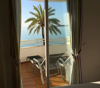 Wonderful Balcony Room with sea view - Huoneisto