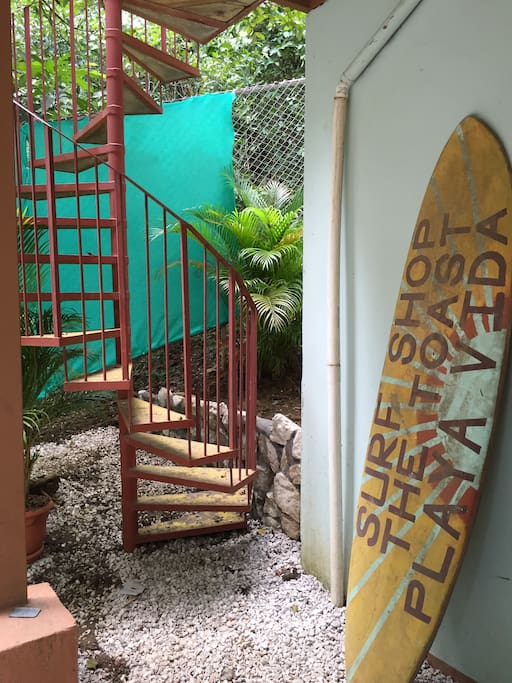 BURNT TOAST SURFCAMP J-Bay Room