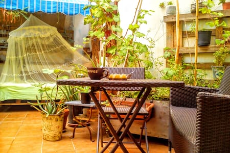 Habitación doble con terraza grande en Tarragona. - Ganze Etage
