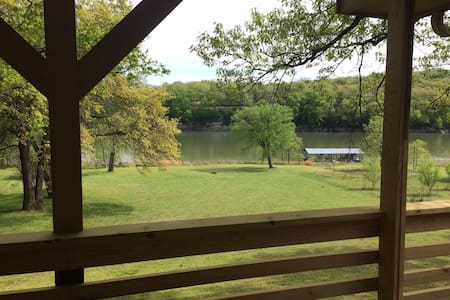 Waterfront on 3 acres, dock & pool - Shell Knob - Ház