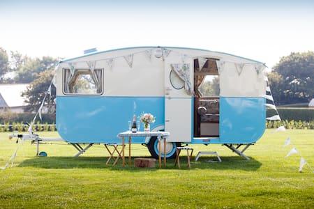 Bessie the Vintage Caravan - Cornwall
