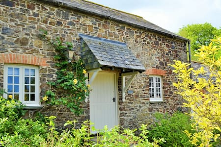 Charming Country Cottage - Bude