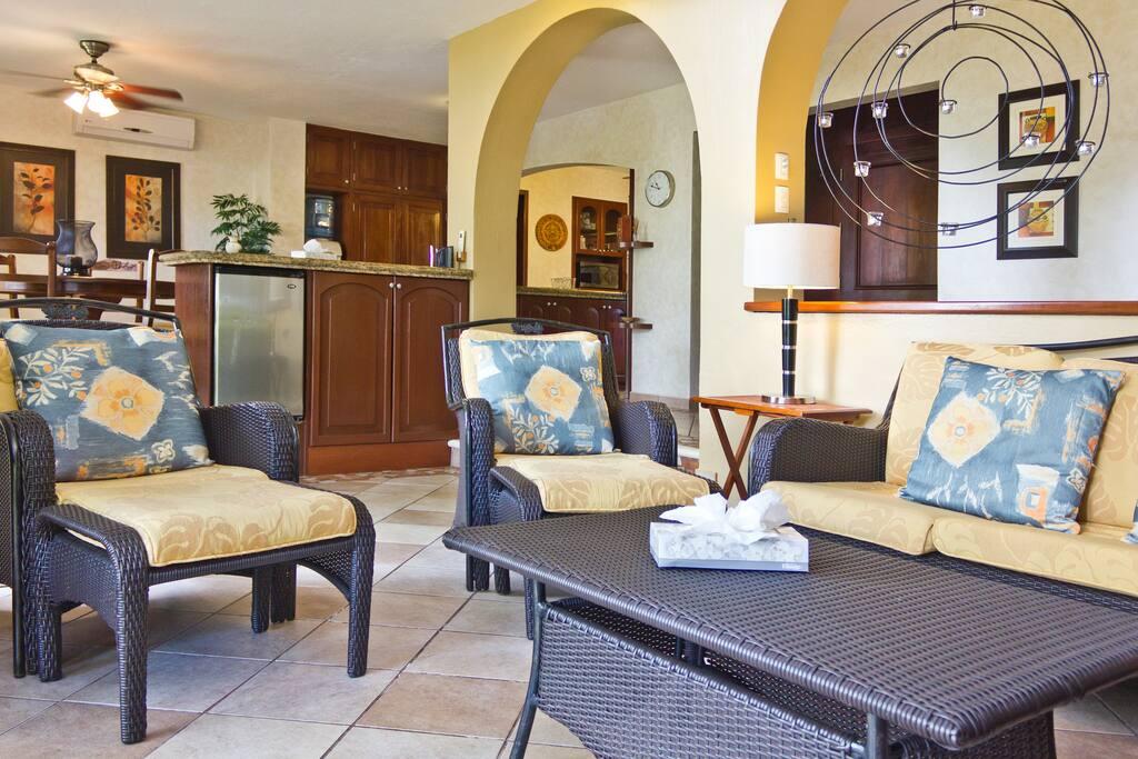 Villa for 6 pax! Price and Location