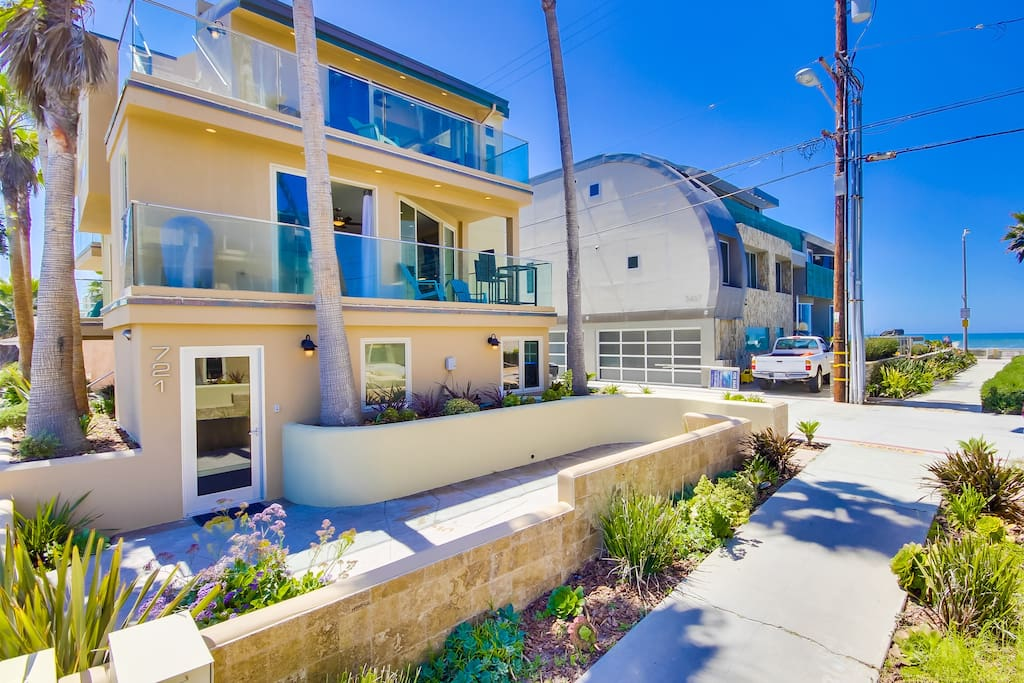 4 Bedroom 4 Bath Rooftop Deck Houses For Rent In San Diego