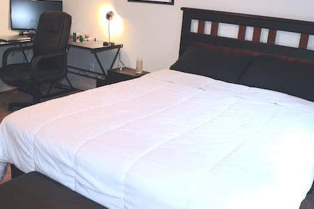 Classic Private Room, 3mi from UofA/Dickson - Fayetteville - Maison