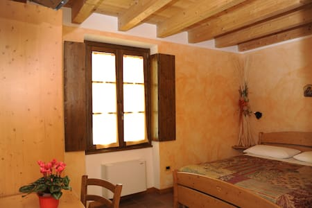 Rooms in La Singela Farmhouse. - Bed & Breakfast