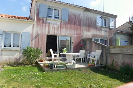 Maison individuelle - Brem-sur-Mer - Aamiaismajoitus