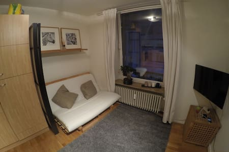 Lovely double sofa bed in centre - Apartment