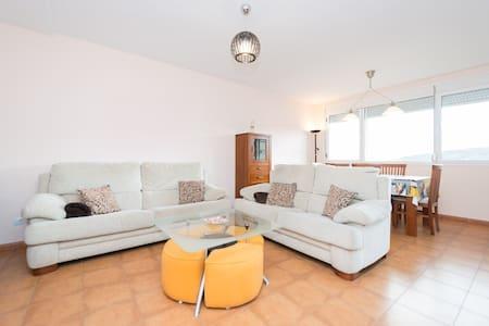 Cosy Apartment on 2 floors &Terrace - Flat