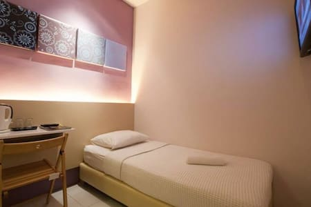 Bukit Bintang Single Room - Bed & Breakfast