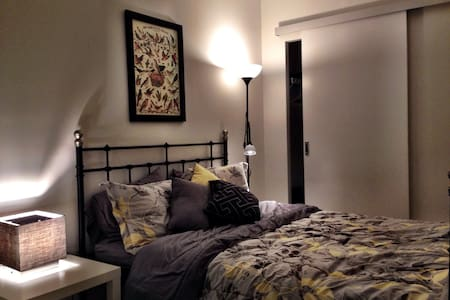 Gorgeous Central Fun Trendy Area CH - Toronto - Appartement