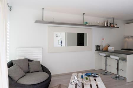 Cozy, modern & Sunny Studio! - Lägenhet
