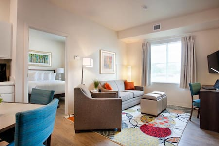 Apartment Living, Hotel Services