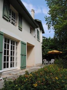 Maison Casteras - House