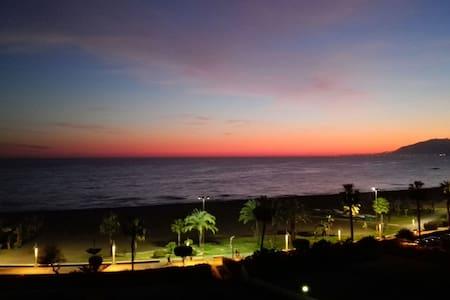 Your nice sea front familiar apartment - La Cala del Moral