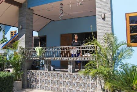 Singburi Thailand Country Homestay - Singburi - House