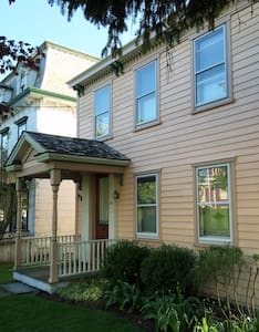 Room type: Entire home/apt Property type: House Accommodates: 6 Bedrooms: 3 Bathrooms: 3.5