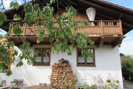 Zimmer in gemütlichem Haus - Ebersberg - Huis