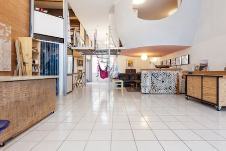 Room type: Entire home/apt Property type: Loft Accommodates: 6 Bedrooms: 3 Bathrooms: 1