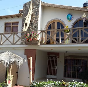 Ensuite Double Room w/breakfast - Huanchaco