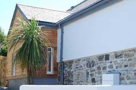 Sunny's - Hayle - Huis