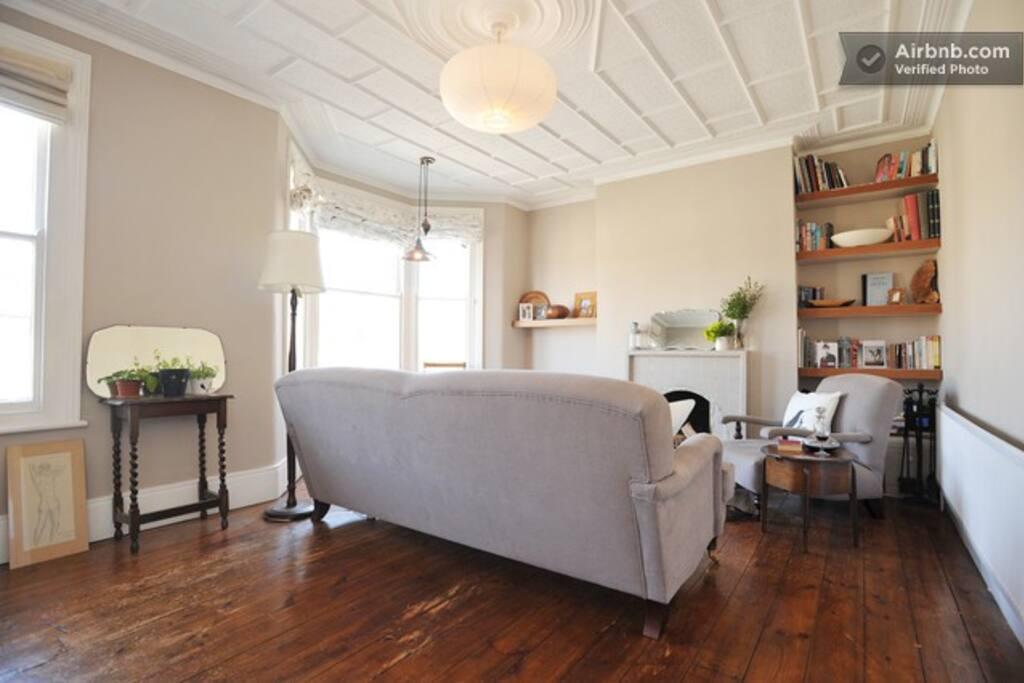 Beautiful Victorian apartment!