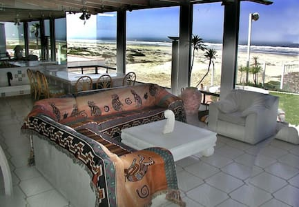 MAGNIFICENT OCEAN FRONT PROPERTY - Ensenada - Huis