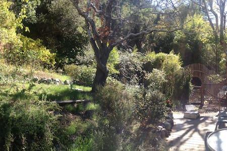 Redwoods House & Hot Tub Getaway