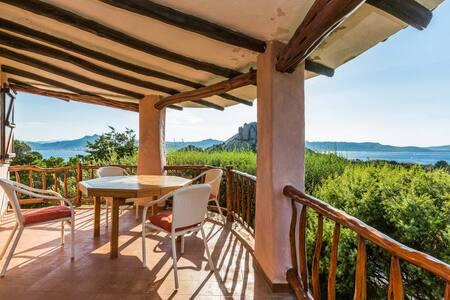 Beautiful Villa overlooking Sea - Villa