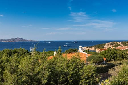 The villa is located in one of the hearts of Mediterrano Sea between the north coast of Sardinia and the southern part of Corsica. The villa has a breathtaking view . This announce concerns the booking of the first floor of the villa.