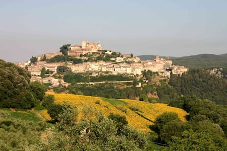 Umbria villa con giardino - Amelia - Bed & Breakfast