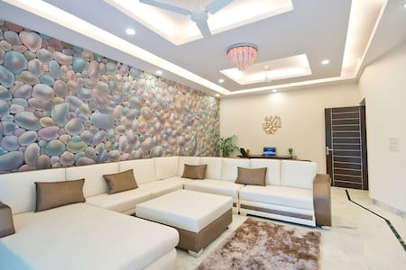 3Bed Lush Green Apt in South Delhi - Appartement