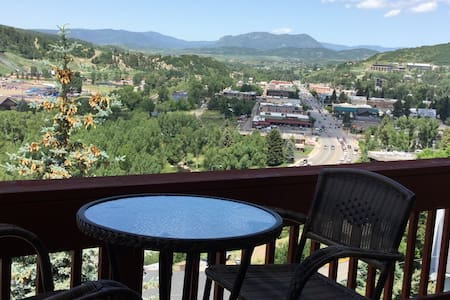 Cozy, downtown, with awesome views! - Steamboat Springs - House
