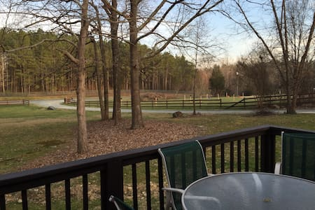 Country Retreat. Close to Town! - Chapel Hill - House