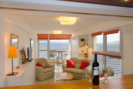 Panoramic view, balcony and garage - San Carlos de Bariloche - Apartment