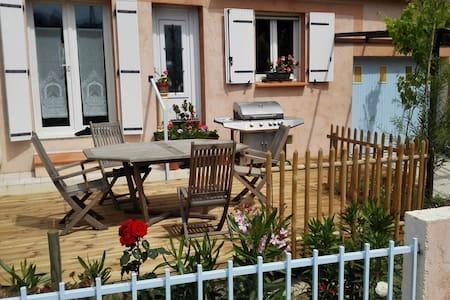 Maison 2 ch/5 pers, 2 terrasses, vue sur Canigou - Prades - Huis